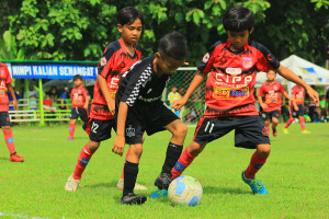 [U9-221120] YOUNG WARRIOR FA VS CIPONDOH PUTRA