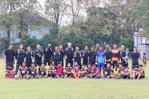 Poros Kamerun-Prancis Sumbang Tenaga untuk Prima Soccer School