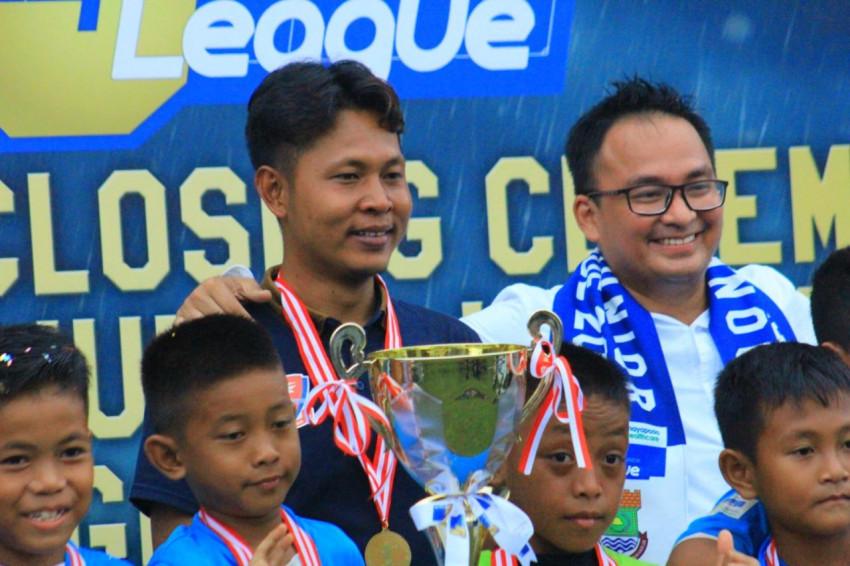 """Magis """"Ini Kandang Kita"""", Pelita Jaya Peluk Trofi Juara IJL U-9"""