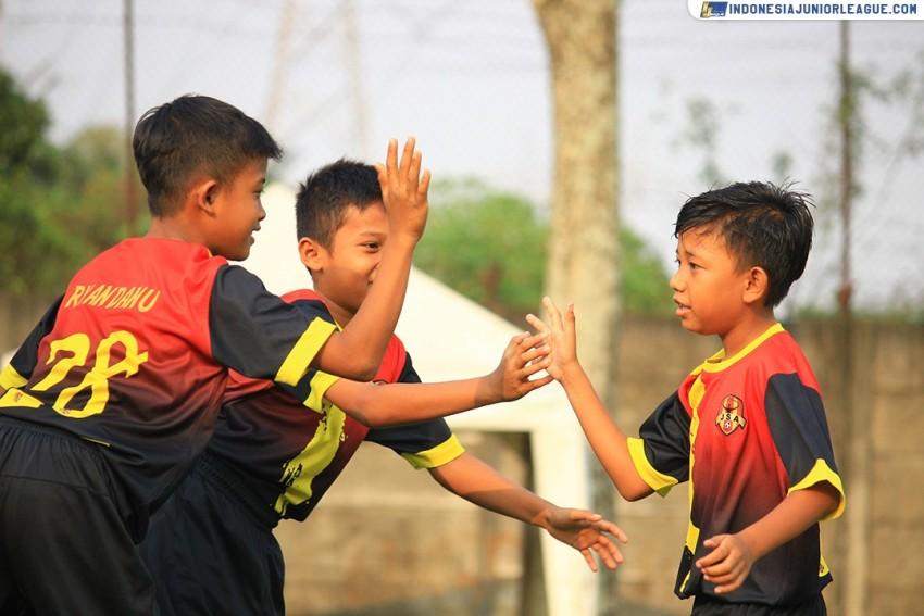Angkat Topi untuk Java Soccer Academy