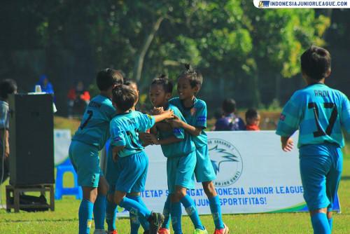 Tiga Poros M'Private Soccer School Makin Nyetel