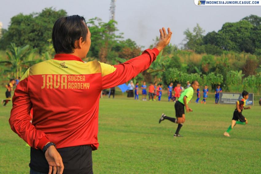 Jaga Kondisi, Java Soccer Academy Gelar Latihan #DiRumahAja
