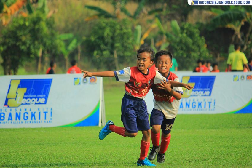 Alba FC Pasang Kuda-kuda