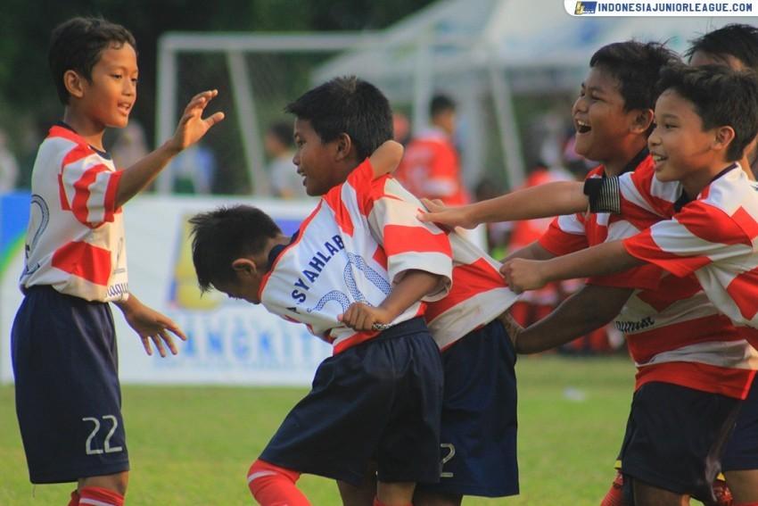 Nafas Lega Ragunan Soccer School