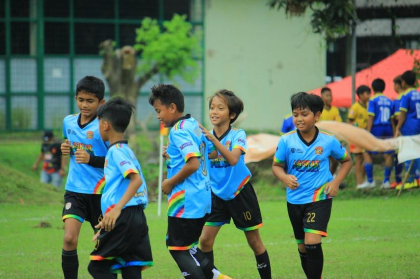 Langkah Anggun Laskar Pelangi Soccer